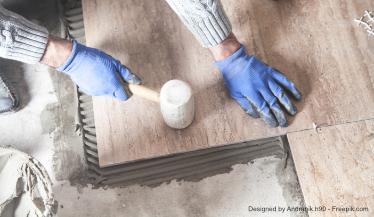 Ein stechender Geruch im Zimmer kann auf gefährliche Ursachen hindeuten.