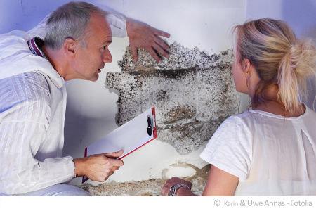 Ein Gutachter für Schadstoffe analysiert Ihre Raumluft und hilft Ihnen bei Rechtsfällen oder Sanierungsmaßnahmen.