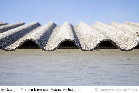 In Wellplatten wie dieser steckt oft noch Asbest.